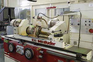 (5) Precision universal cylindrical grinding machine-1